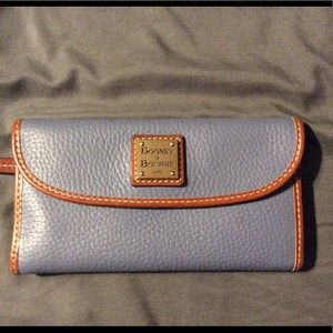 Dooney and Bourke Pebble leather Wallet
